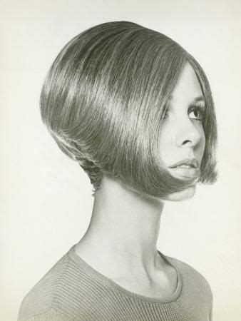 pictures of short 60s bobs 60s 70s bob hairstyle hair love pinterest bobs bob