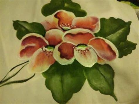 fiori dipinti su stoffa stoffa carta e pennelli corso di pittura su tessuto