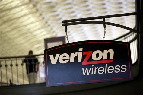 united continental s usd3 billion deal to yield usd1 2 billion in stocks to watch verizon travelers united continental