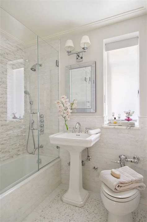 small bathroom ideas with bathtub best 25 bathtub shower combo ideas on pinterest shower