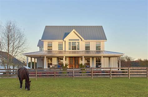building a farmhouse 25 best ideas about board and batten siding on pinterest