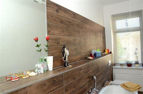 stein fliesen holzoptik fliesen holzoptik badezimmer wohnzimmer