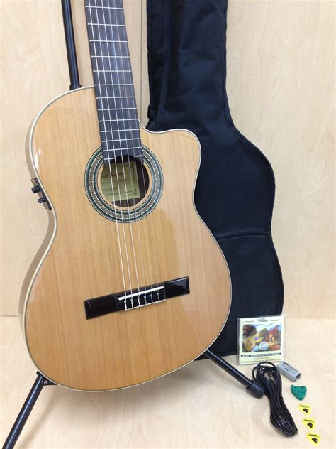 Gitar Clasic Eq Tas miguel rosales c 3bceq cr thin solid cedar top classical guitar fishman eq hillsound