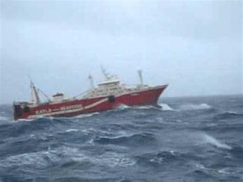 imagenes de barcos navegando yarry adan pacheco barco alina navegando en mal tiempo mp4