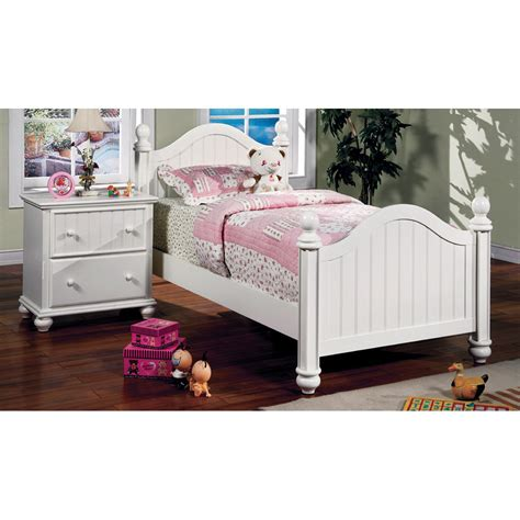 Cottage Style Beds by Furniture Of America Mari Cottage Style Panel Bed White