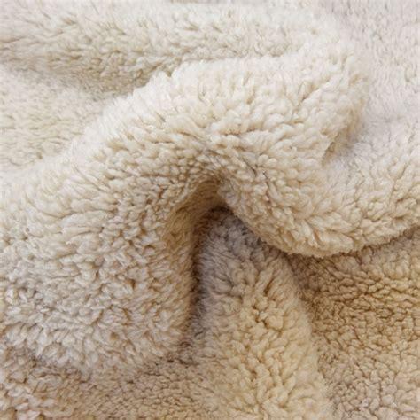 fausse fourrure mouton beige x10cm