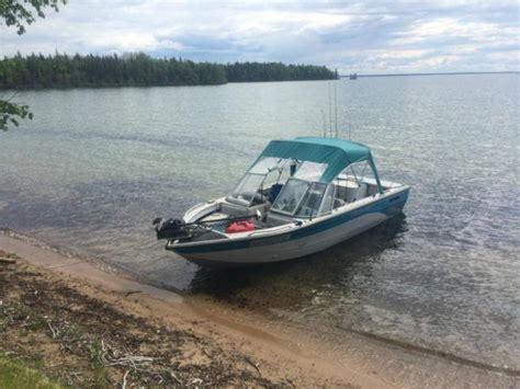 crestliner boats saskatoon crestliner 1750 sportfish fish n ski outside south