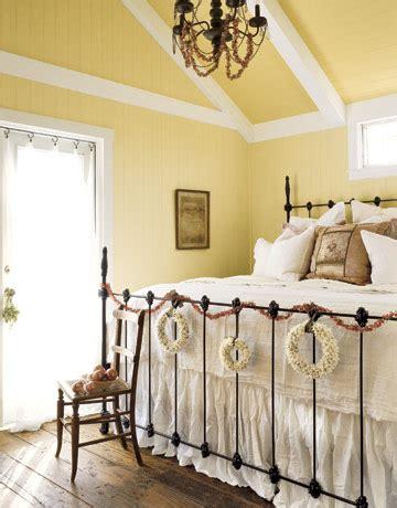 iron bed bedroom iron beds bedroom cottage anderegg de cathouse beds