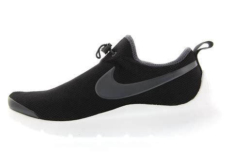 Kaos Nike Siluet 12 nike aptare black anthracite white 876386 002 sneaker bar detroit