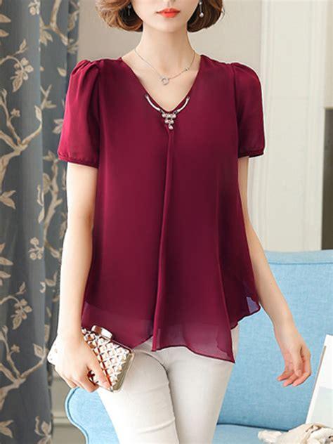 Ayeshkandi Plain Assymetric Blouse v neck asymmetric hem plain chiffon blouse fashionmia
