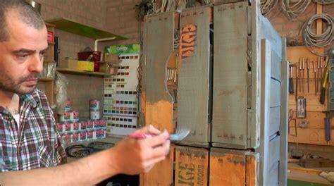 creare con le cassette della frutta mobiletto con cassette della frutta e tinta all acqua