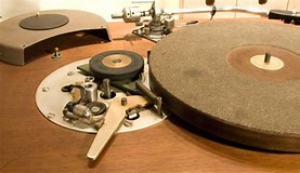 Image result for idler drive turntable. Size: 277 x 160. Source: www.itishifi.com