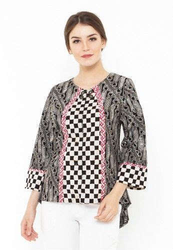 Baju Atasan Wanita At13165 design baju batik home design idea