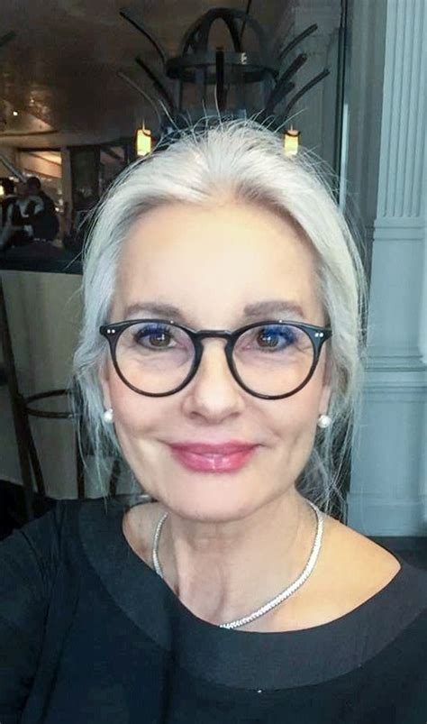 frames for grey hair best 25 short white hair ideas on pinterest