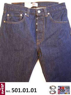 wandi iaa promosi jualan seluar