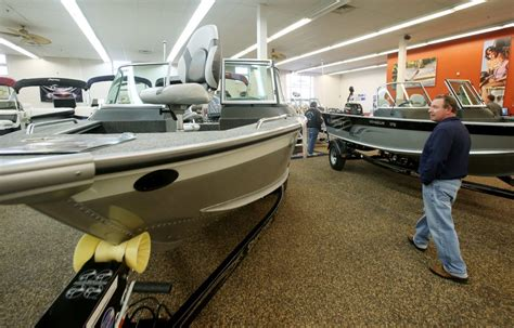 boat repo auctions how do i buy repossessed boats on repo boat auction