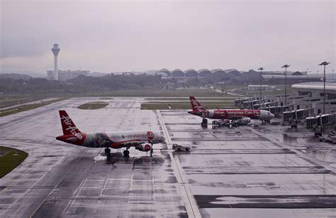 airasia terminal 2 klia2 still sinking airasia tells airport authorities