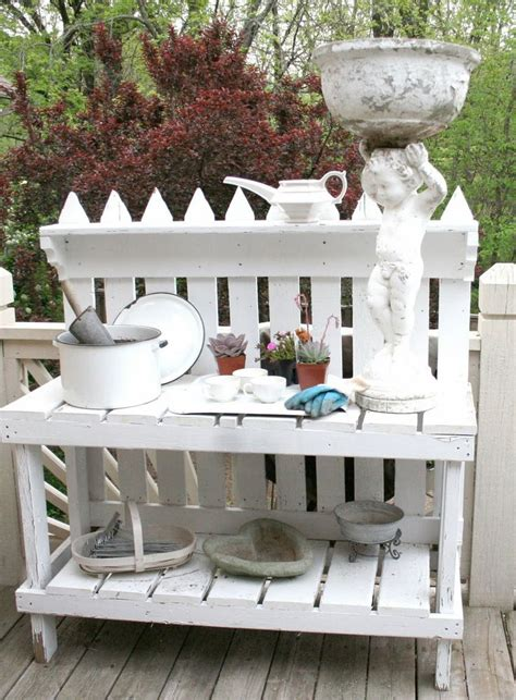 picket fence bench picket fence potting bench i need this on my front porch kimberlin gray