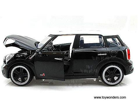 Diecast Minicoper S Countryman mini cooper s countryman w sunroof 73353bk 6 1 24 scale motormax wholesale diecast model car
