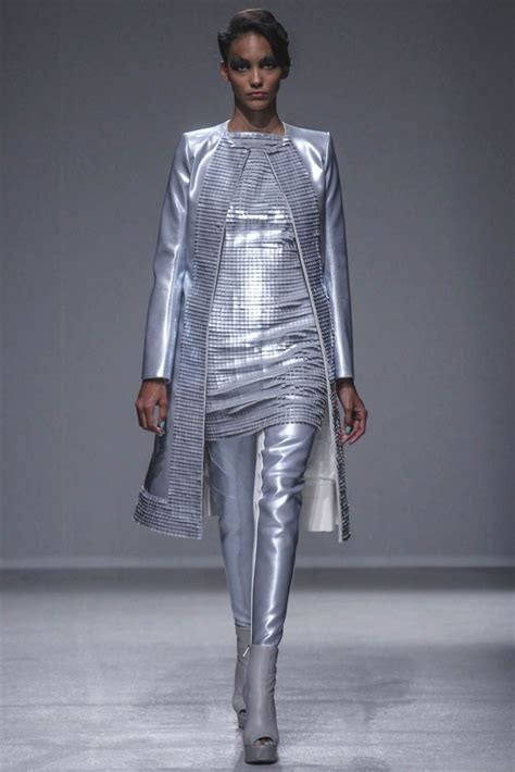 Fashion Week Gareth Pugh by Gareth Pugh Summer 2014 Fashion Week