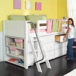 great idea for small bedroom dresser and storage a
