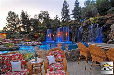 drakes house drake s home hollywood celebrity homes celebrity houses celebhomes net