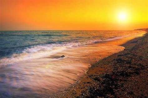 imagenes hermosas amaneceres banco de im 193 genes 25 fotos del mar con olas amaneceres