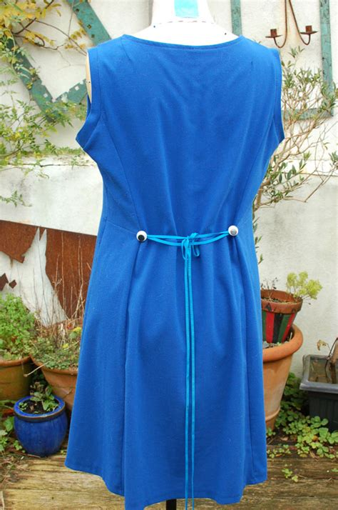 Back Ribbon Dress Bahan Dress Brukat Mix Tile Fit 1 2th Tergantung cobalt blue stretch crepe dress with wiggly fabrics and sewing surgery