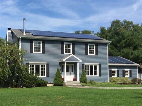 houses with blue siding harbor blue siding alpha harbor blue vinyl siding
