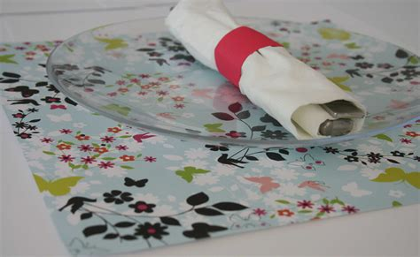 How To Make Paper Placemats - place setting ideas diy paper placemats