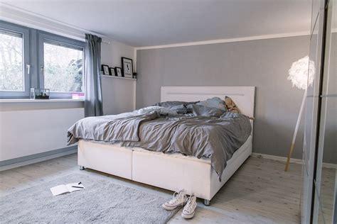 nachtschrank passend zu boxspringbett zimmer einrichten mit otto home living a