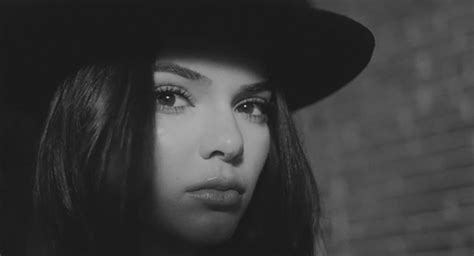 kendall jenner wallpaper black and white kendall jenner via tumblr animated gif 3062634 by