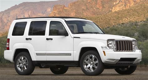 2012 jeep liberty investigated by the nhtsa over failing airbags