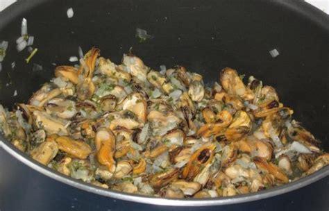 comment cuisiner des moules congel馥s cuisiner moules les meilleures recettes de moules