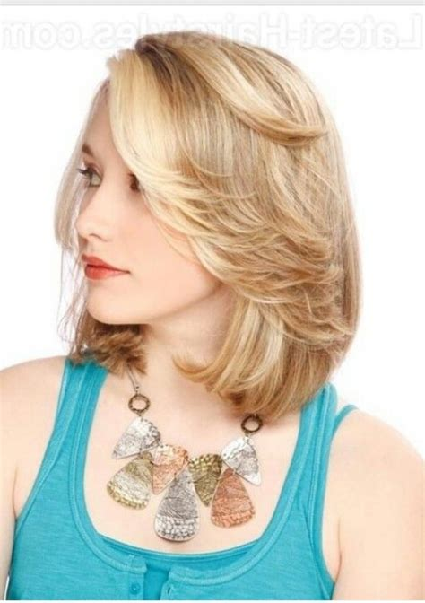 hairstyles with feathering on the sides feathered bangs with bob cut hairstyles pinterest with