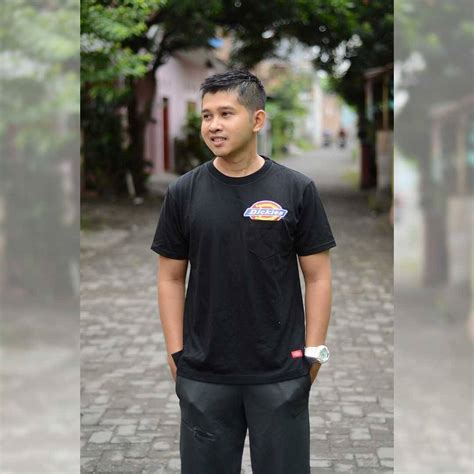 Sweater Pria Sweater Murah Sweater Dickies Hitam Blue jual kaos dickies seri pocket sleeve hitam original baru kaos dickies original