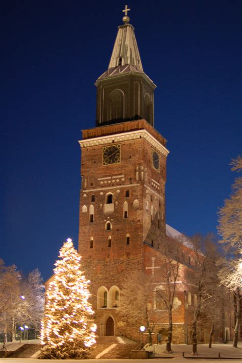 Delightful Lutheran Churches #6: Turku_Cathedral_on_December_morning.jpg