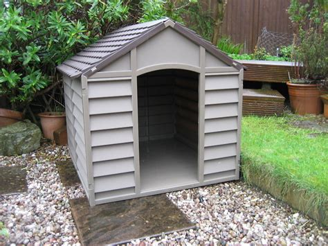 winter proof dog house large dog kennel br durable plastic winter house is not the smaller one ebay