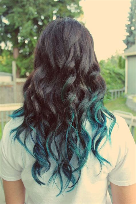 dyed hairstyles for brunettes 25 best ideas about green hair streaks on pinterest