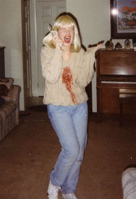 casey becker drew barrymore  scream costumes