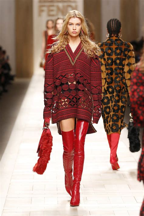 Fall Looks For by Fendi Fall Winter 2017 18 S Collection The Beep