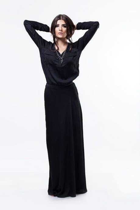 schwarzes langes kleid mit aermeln