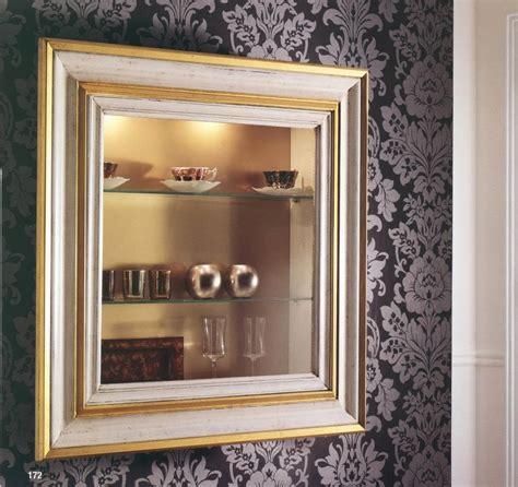 libreria pensile ikea vetrina pensile con antina vetro e faretti in legno