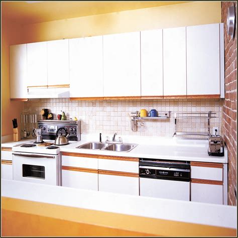 re laminating kitchen cabinets laminate cabinet doors peeling home design ideas