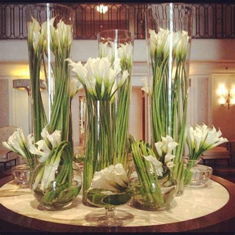 How To Arrange Lilies In A Vase by 25 Best Ideas About Calla Lillies Centerpieces On Calla Centerpiece Calla Lillies