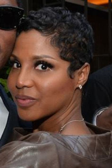 Toni Braxton Hairstyles by Toni Og Pixie Cut Doin A Lot With A