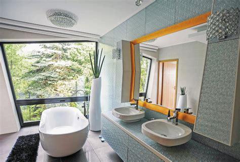 badewannen leisten badezimmer inspiration freistehende badewannen sind im trend