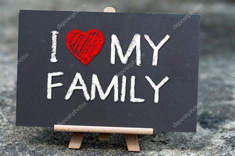 imagenes i love my family eu amo minha fam 237 lia escrito 224 m 227 o com giz branco sobre