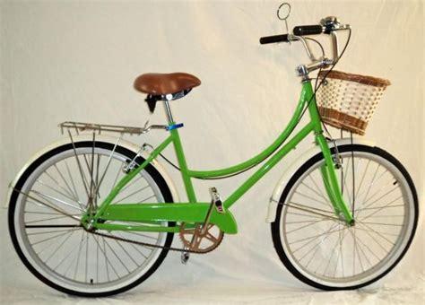imagenes bicis retro bicicletas retro vintage does this say girl pinterest