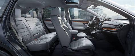 Honda Crv Interior Pictures by Explore The Prime Array Of 2017 Honda Cr V Interior Features